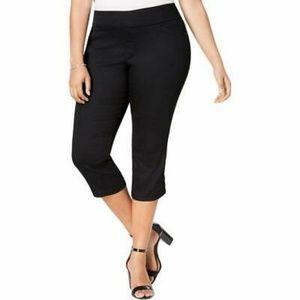 Women's Plus-Size Black Capri Pants